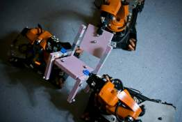 Helping Robots Put it All Together: New Algorithm Lets Autonomous Robots Divvy up Assembly Tasks on